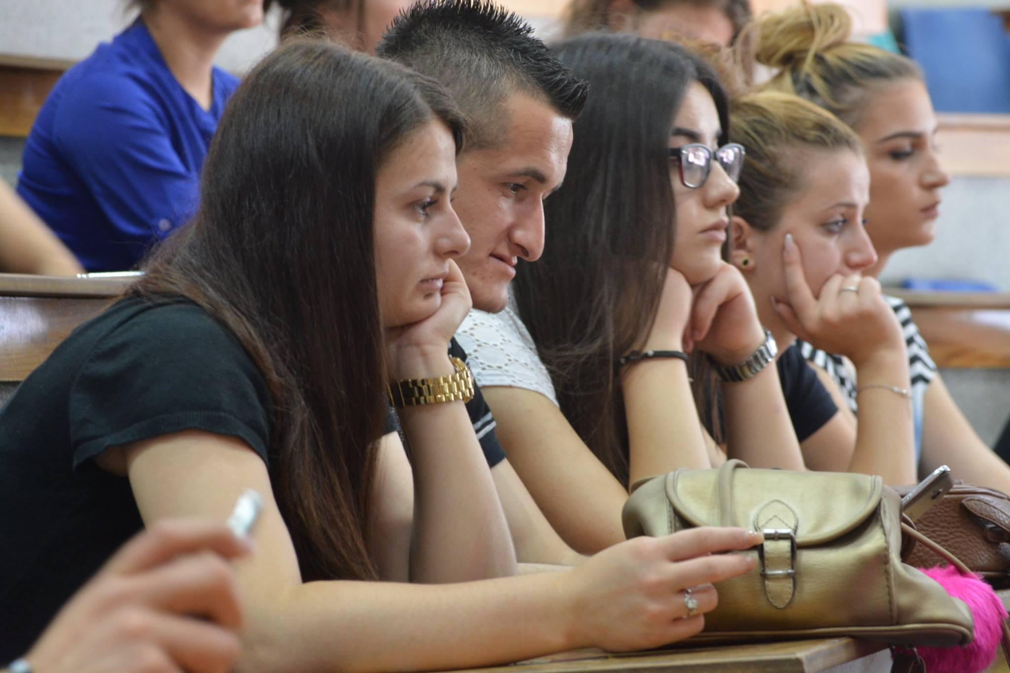 Studente ne Elbasan